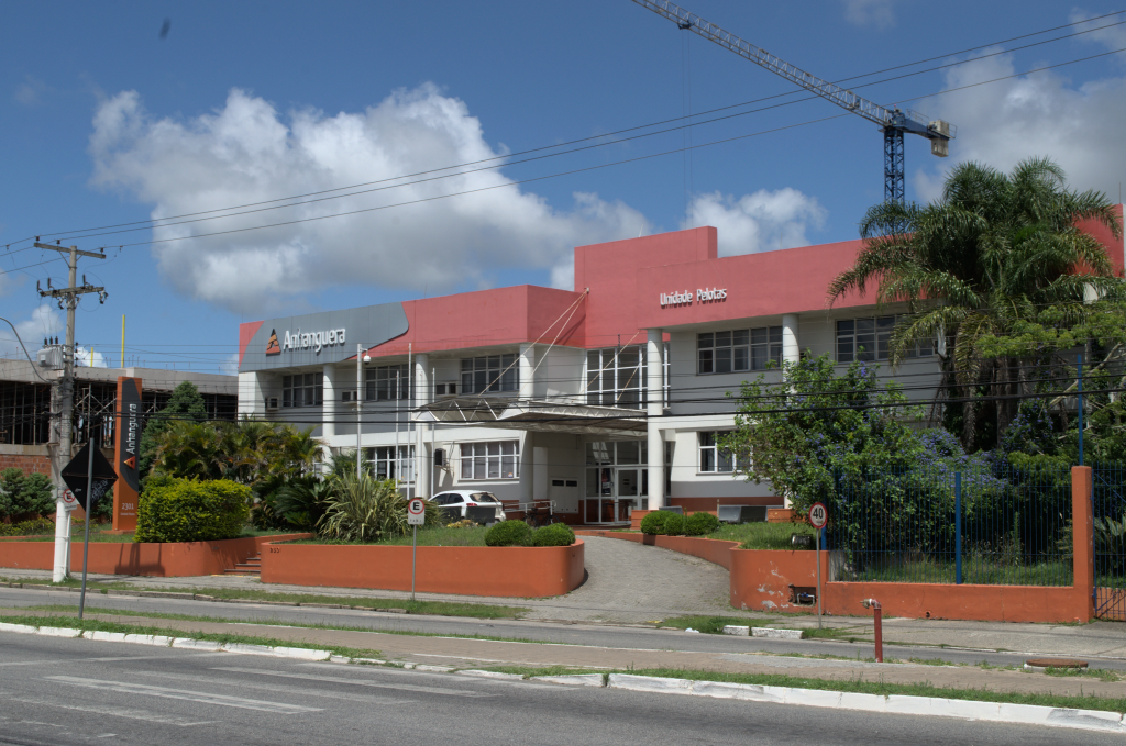 Faculdade Pelotas